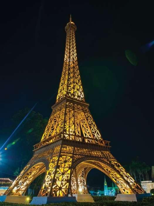 EIFFEL TOWER - Lights  - C0297