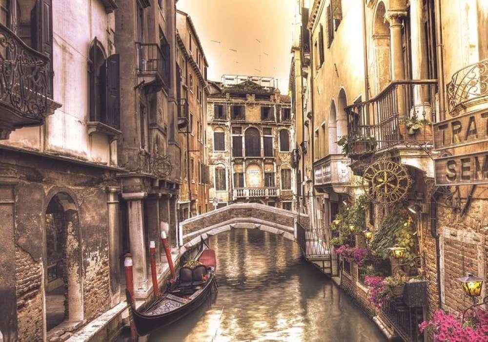 Venice, Canals - C0435