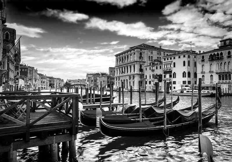 Фототапет с черно бяла Венеция