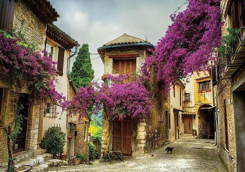 Фототапет с тесни и цветни улици