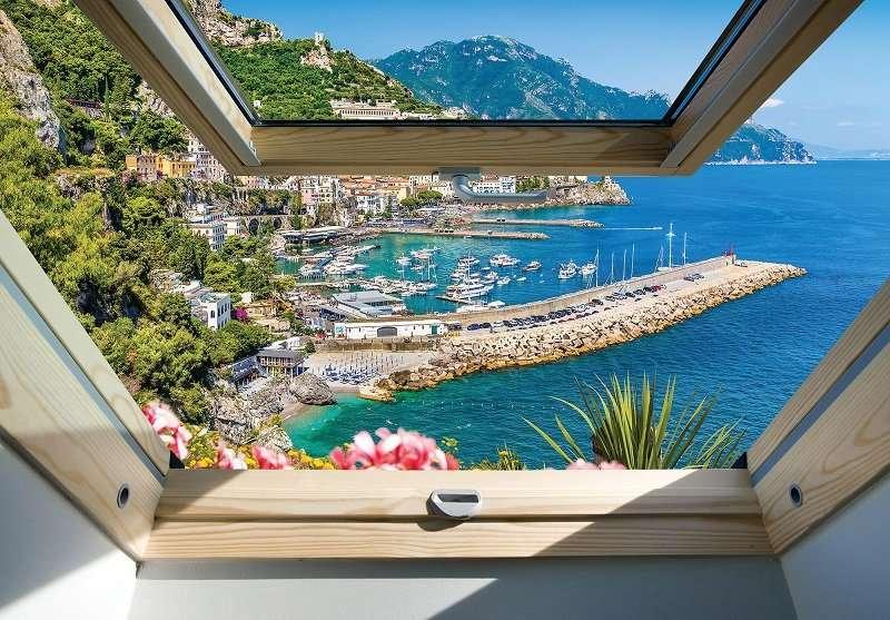 Фототапет с уникална гледка от прозорец