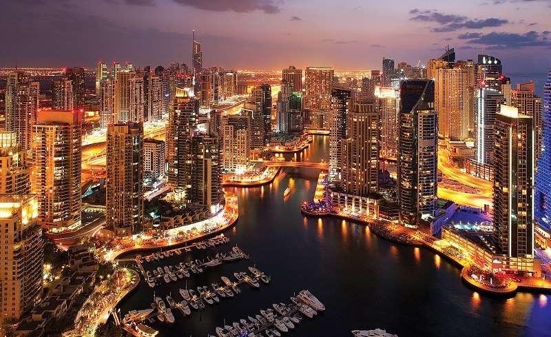 Фототапет със светлинно шоу в Дубай