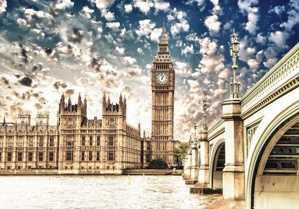 London Sky - C0472