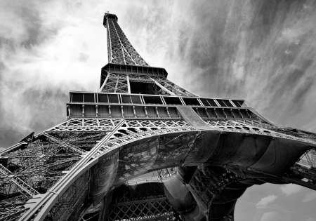 Eiffel Tower B&W - C04198
